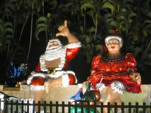 photo of Santa and Mrs. Claus at the Honolulu City Lights