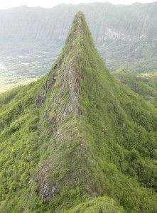 image of the third peak of Olomana Mountain on Oahu