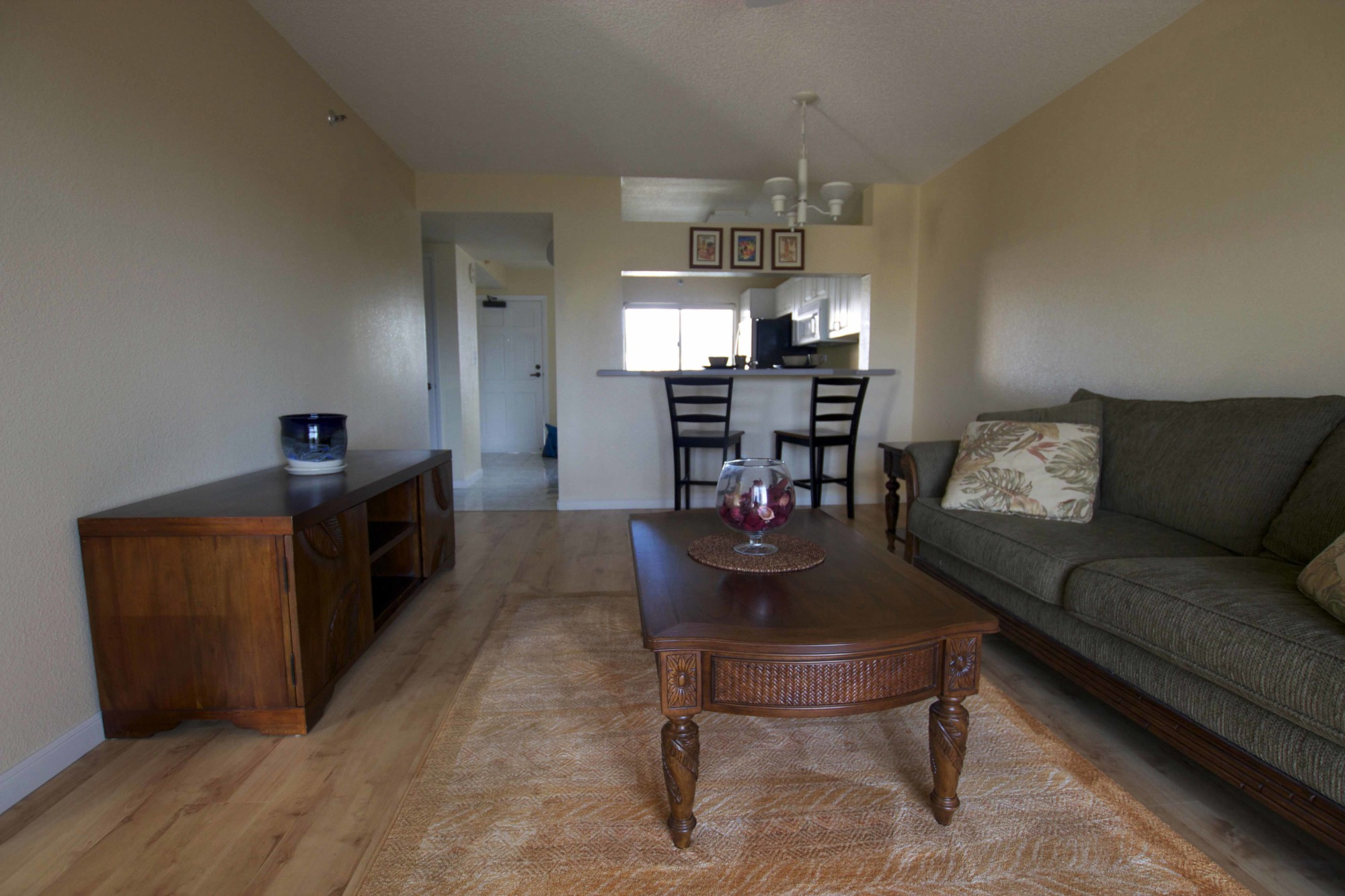 Spacious 2br 2ba condo for sale in salt lake honolulu - 1 bedroom apartment salt lake hawaii ...